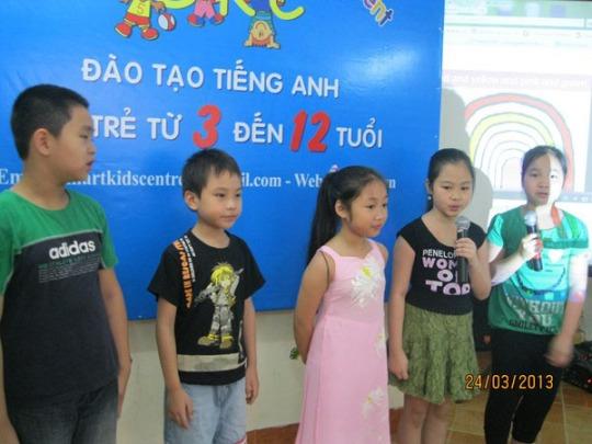 Câu lạc bộ tiếng Anh Smart Kids Centre các bé giao lưu